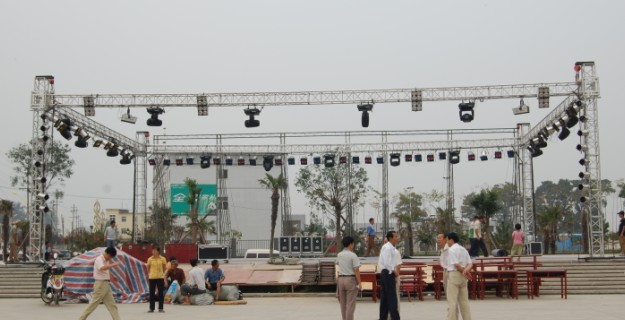 stage truss