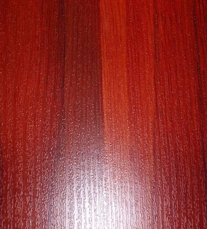 smanll embossed surface laminate flooring