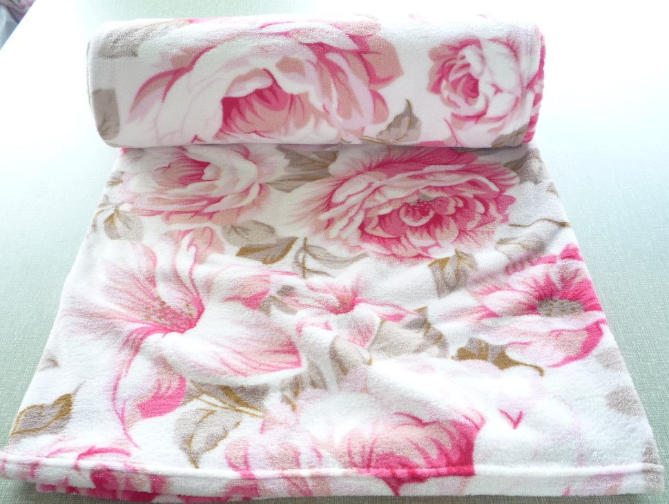 coral fleece blanket with flower printing