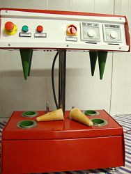 Pizza cone machine 4 cone machine