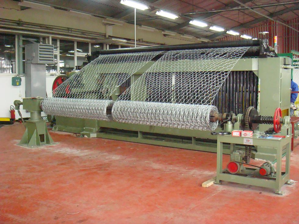 Large Hexagonal Wire Netting Machine click on image to enlarge