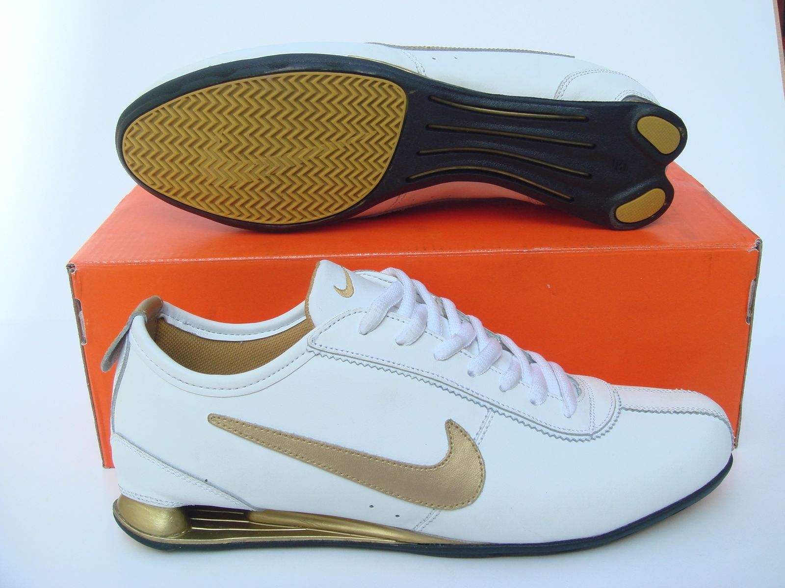 Tomar conciencia Mexico Preescolar  Men's Nike Shox R2 shoes leather sneakers ,Nike R2 shoes,Men's Sneakers