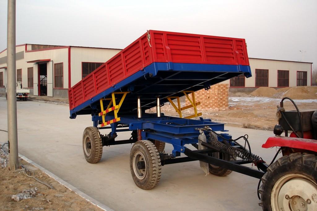 Three-way dump farm trailer