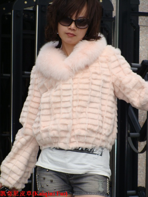 fashion cutted rabbit fur coat+raccoon fur collar s-8031